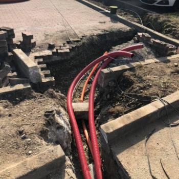 Zemní práce a protahování kabelů